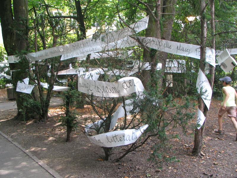 Écritures réactives [Scènes de Rue, Mulhouse, France], juillet 2006. Photo :  Yves Fasnacht.